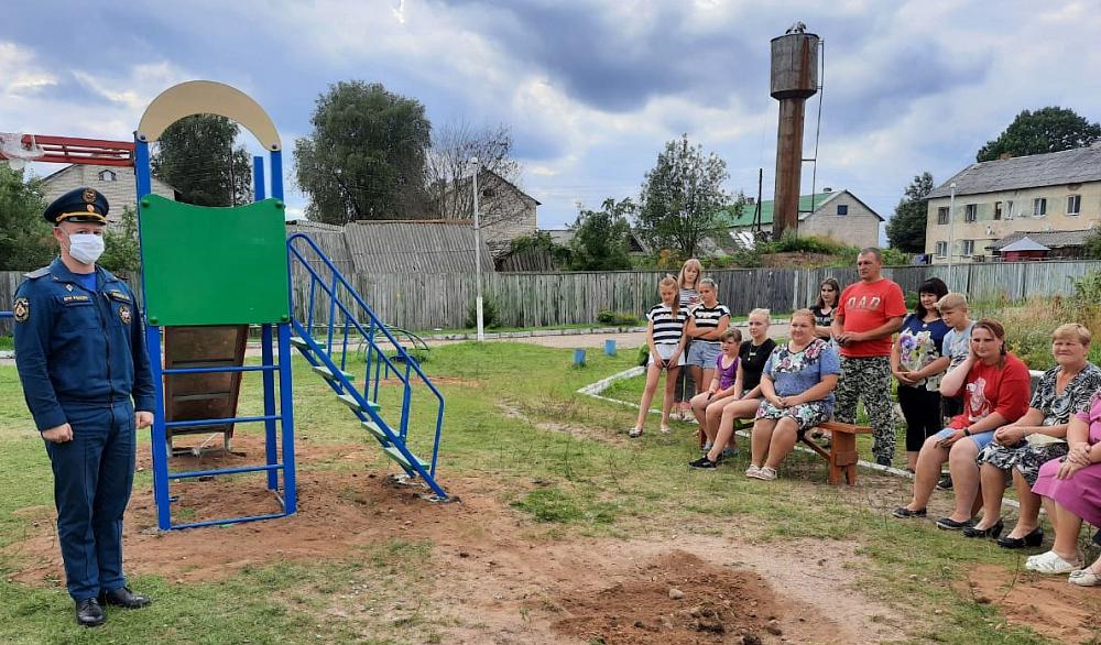 Торопецким дошколятам в игровой форме рассказали о пожарной безопасности