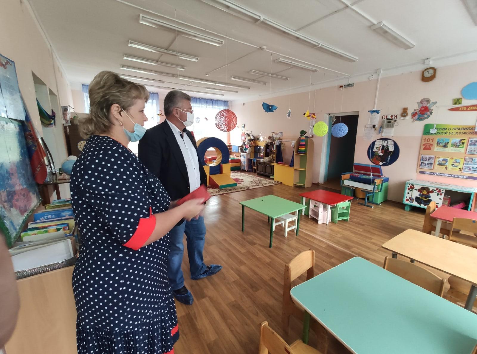 Андрей Белоцерковский пообщался с педагогами Ржевского района