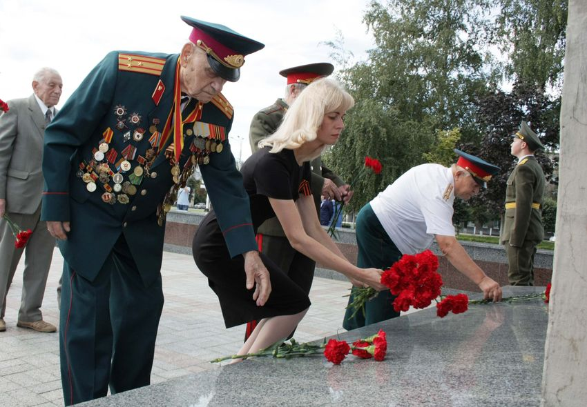 В Твери почтили память героев Курской битвы