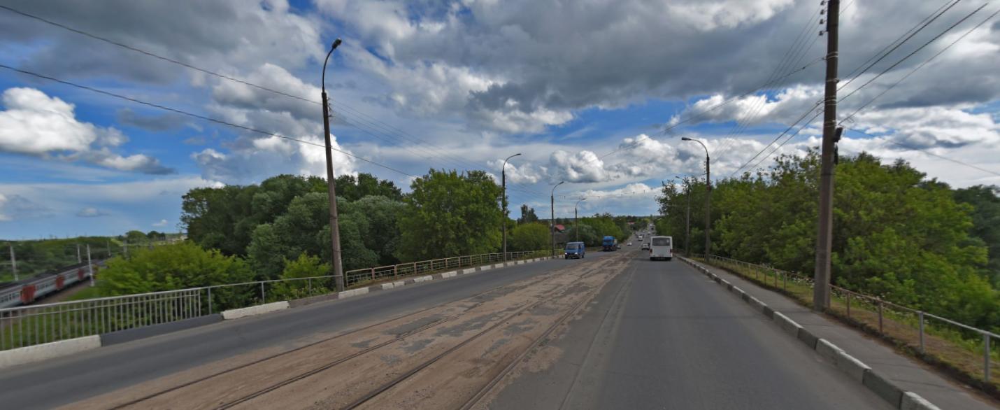 Стало известно, когда возобновится движение транспорта по Крупскому мосту