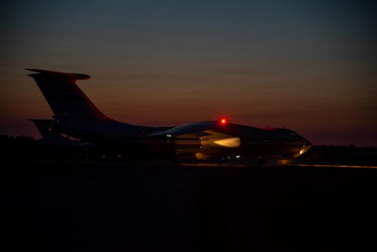 Самолеты Ил-76 поднялись в небо над Тверью