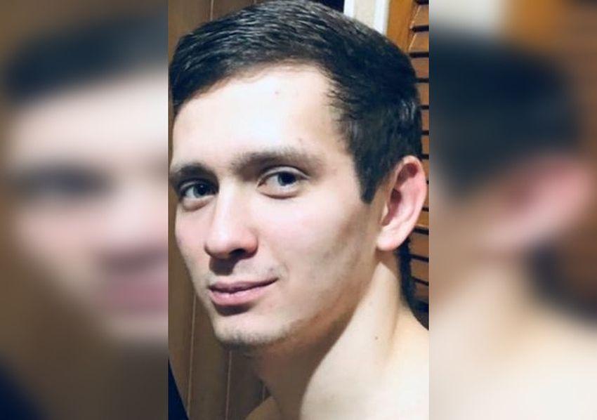 В Тверской области пропал парень в шортах и разноцветной олимпийке