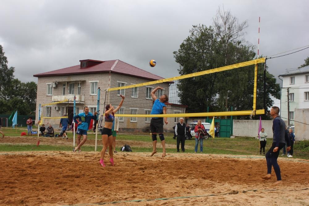 В Бологовском районе прошли соревнования по волейболу
