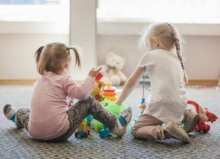 Школы-интернаты и детские дома в Тверской области будут работать по-старому