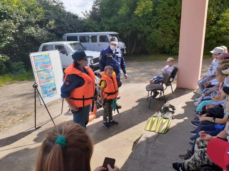 Школьникам в Калязине рассказали о безопасности при отдыхе у воды