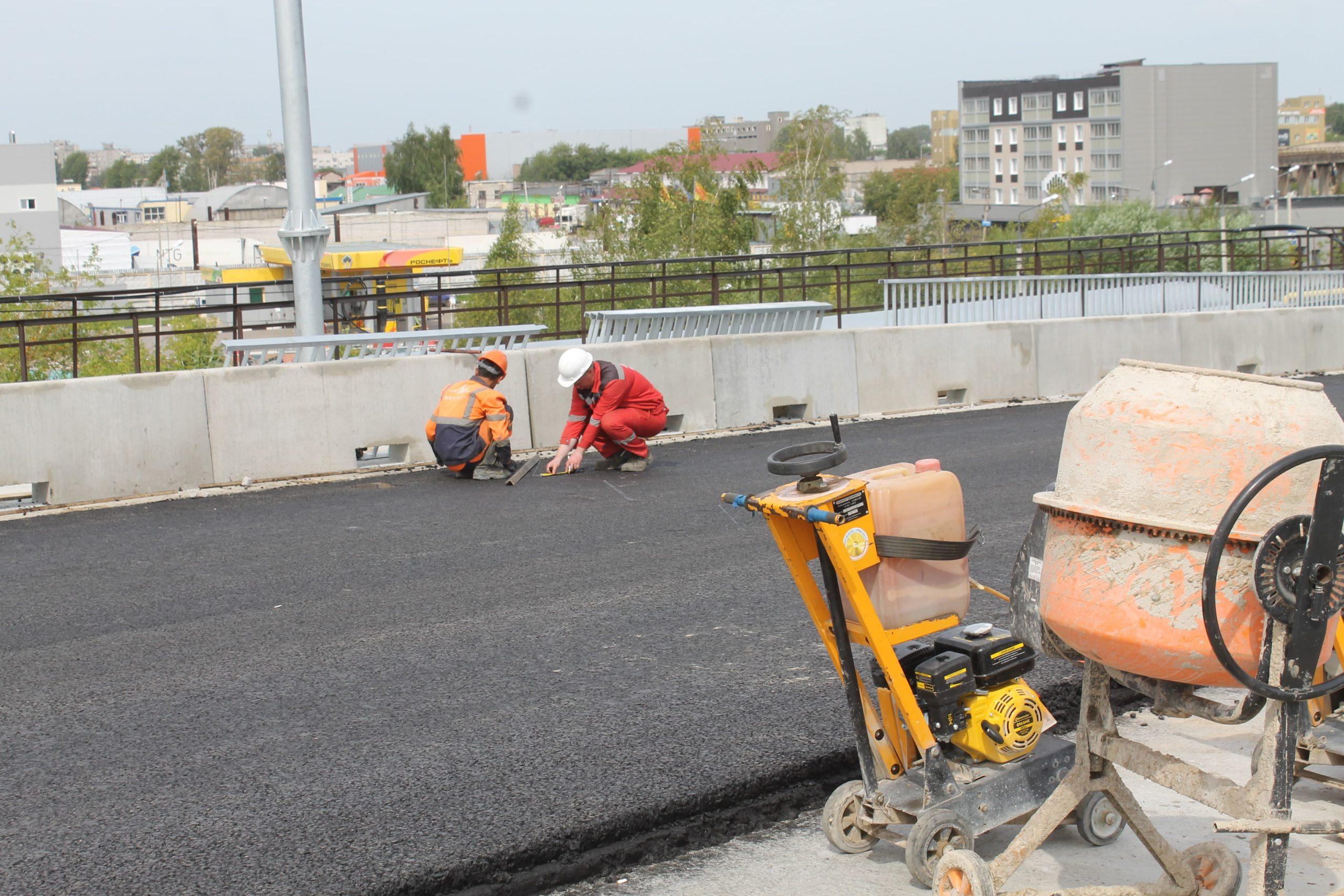 В Твери продолжаются работы по ремонту дорог