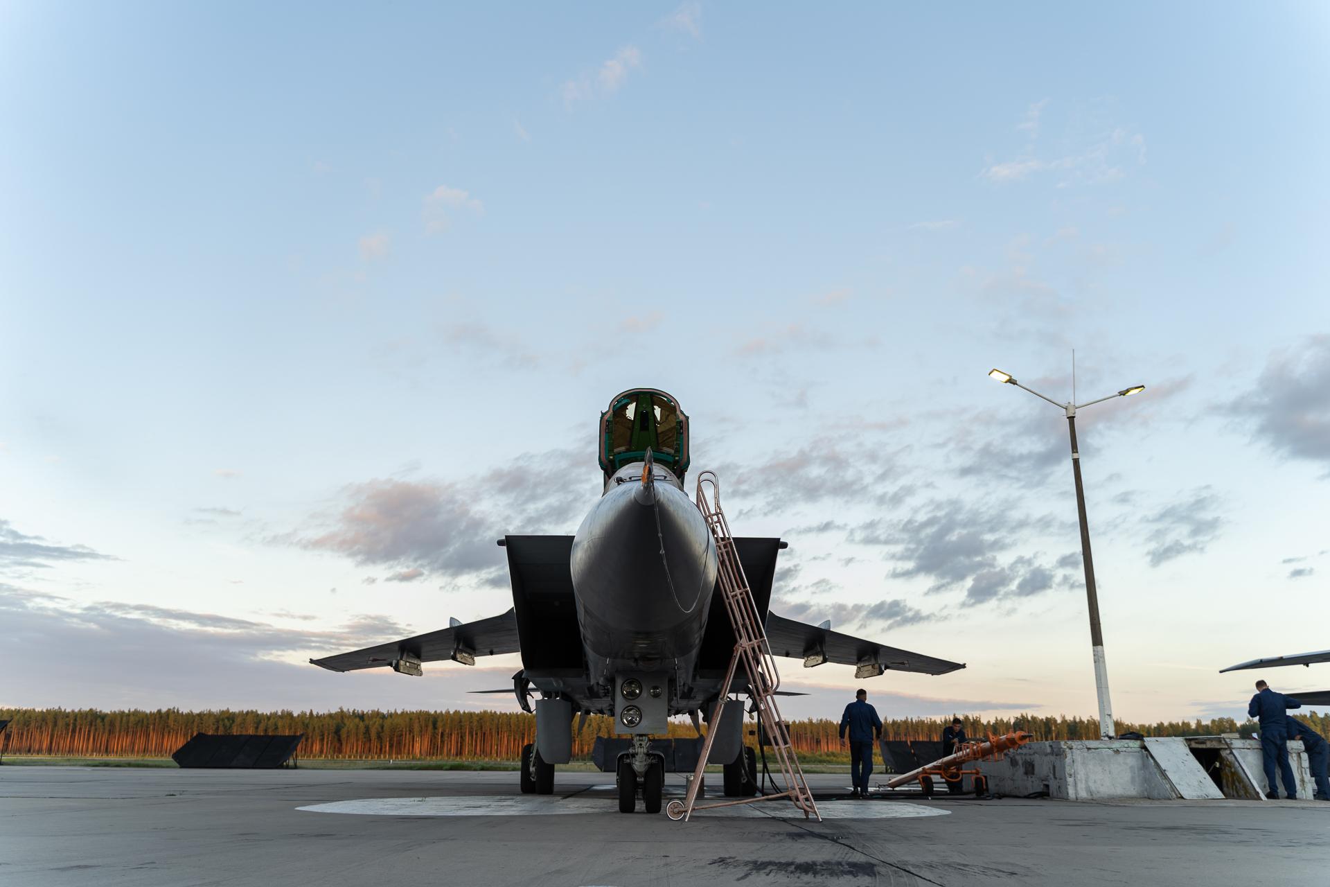 Любите, девушки, отважных летчиков: сотрудники тверского медиахолдинга посетили авиационный учебный центр