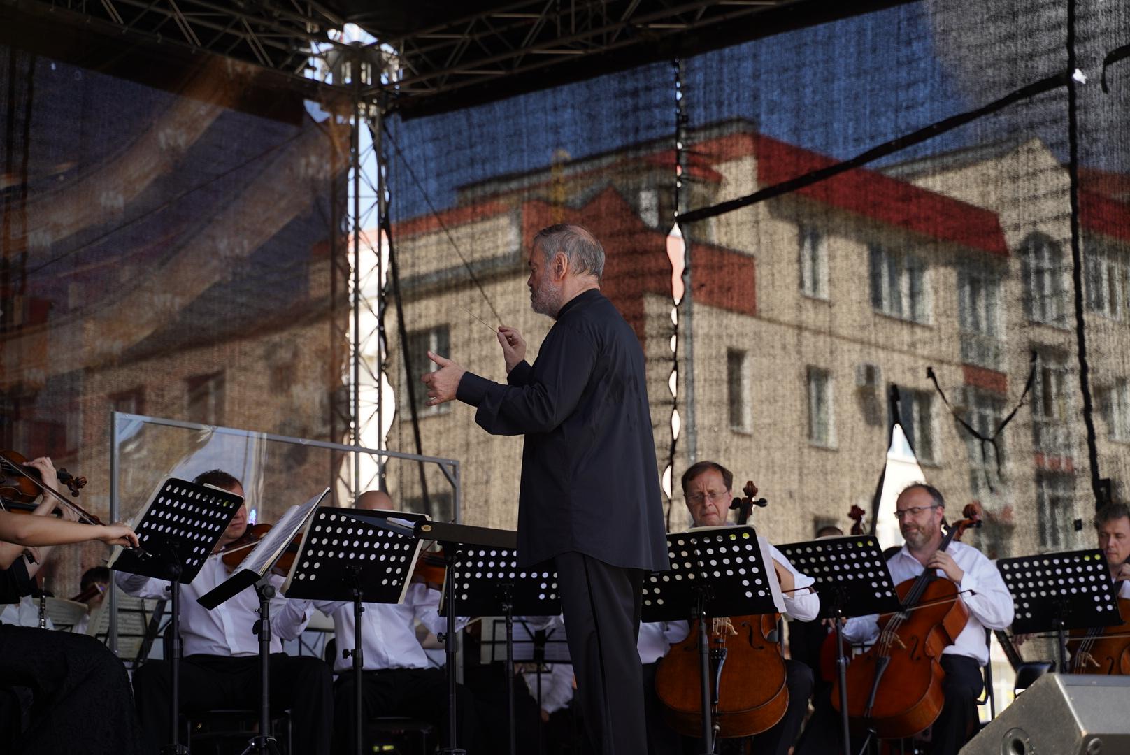 В Твери ВалерийГергиев иСимфонический оркестр Мариинского театра выступили в поддержку врачам