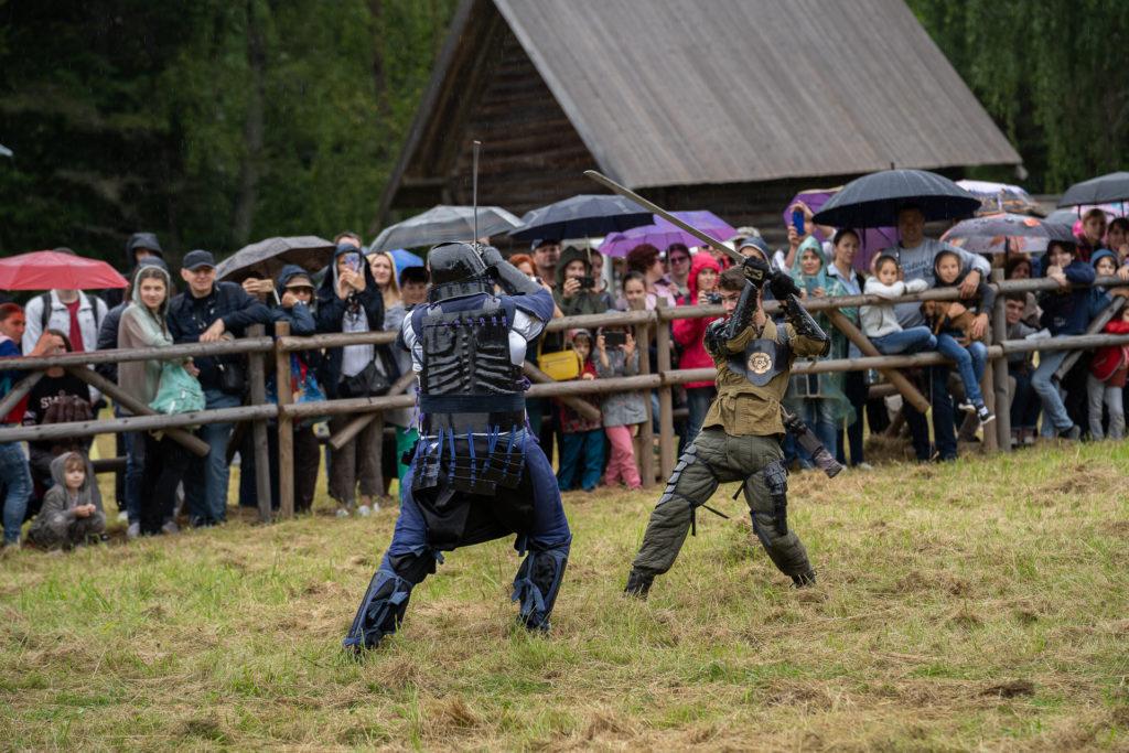 Под звон мечей: фото с первого дня исторического фестиваля «Новоторжский рубеж»
