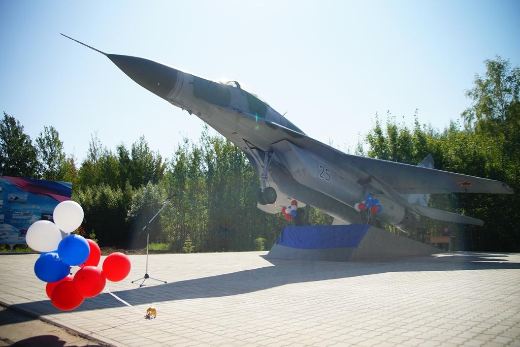 Макет военного самолёта «МиГ-29» установили в районе Тверской области