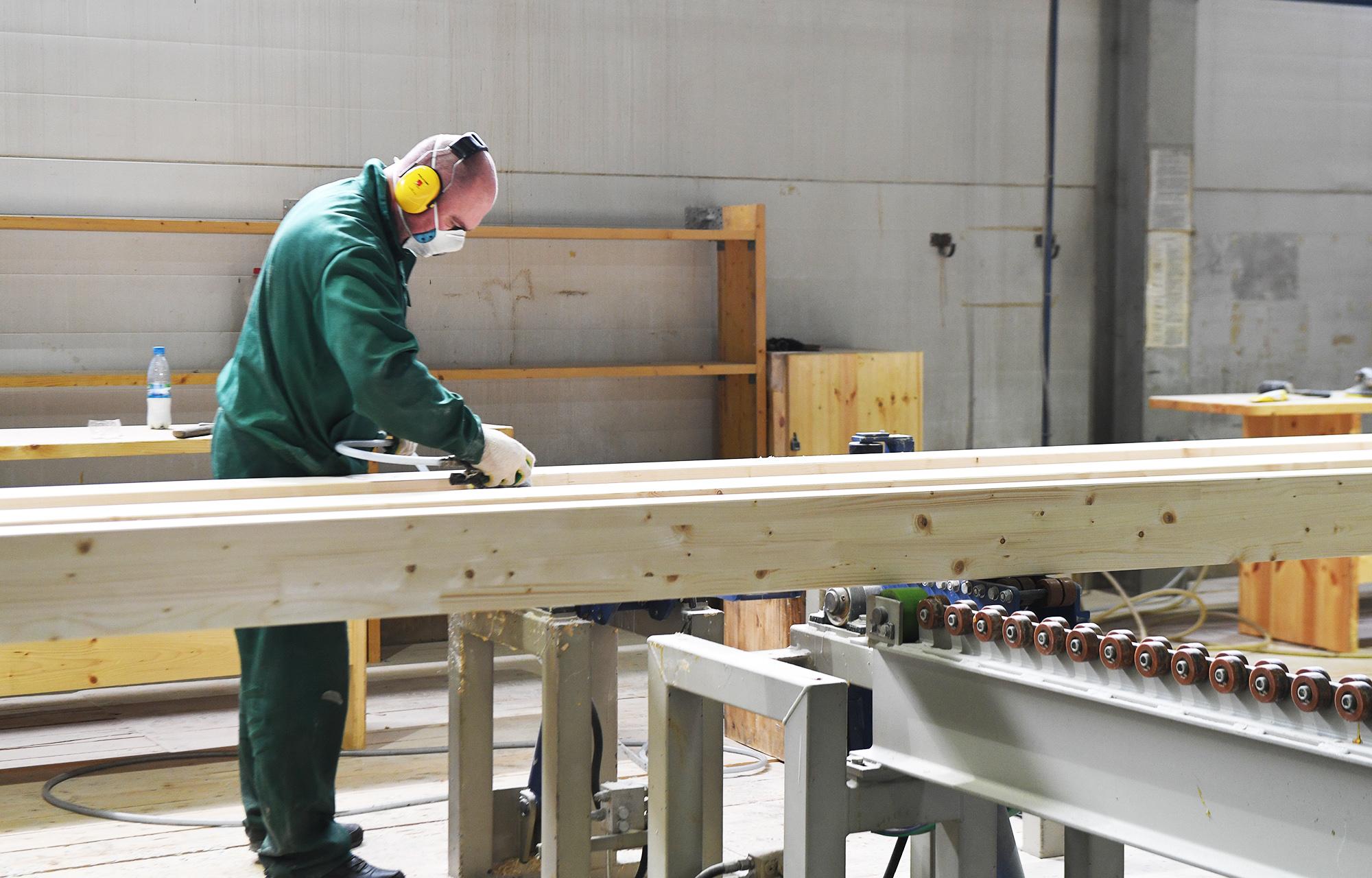 Игорь Руденя поручил разработать программу субсидирования по кредитам на модернизацию лесоперерабатывающих предприятий