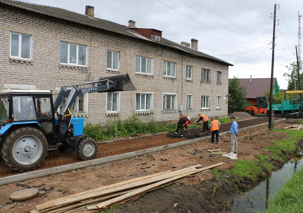 В Торопце продолжают благоустраивать микрорайон «Черемушки»