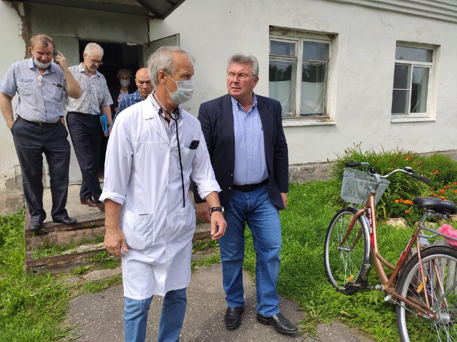 «Не надо бюрократических формальностей»: Андрей Белоцерковский собирает предложения по налаживанию системы здравоохранения в Ржевском районе