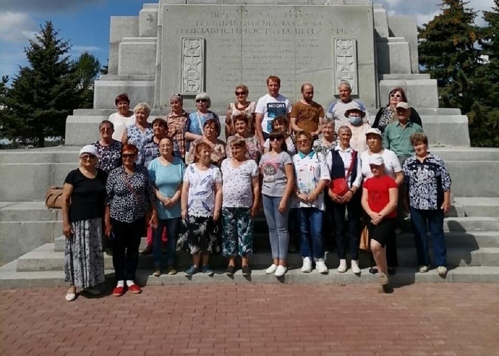 Ржевский мемориал посетили члены Осташковского отделения Всероссийского общества инвалидов