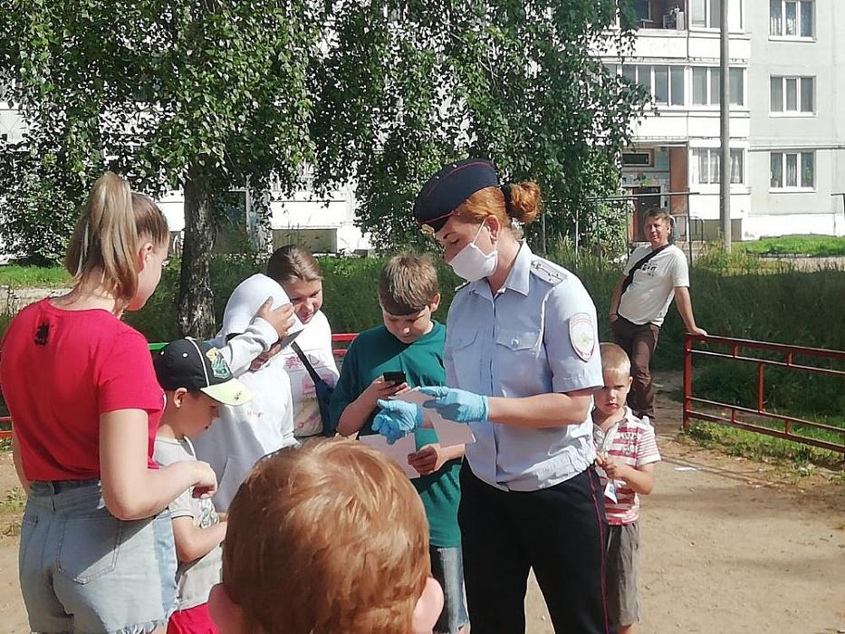 В городе Бологое прошла акция «Умный пешеход»