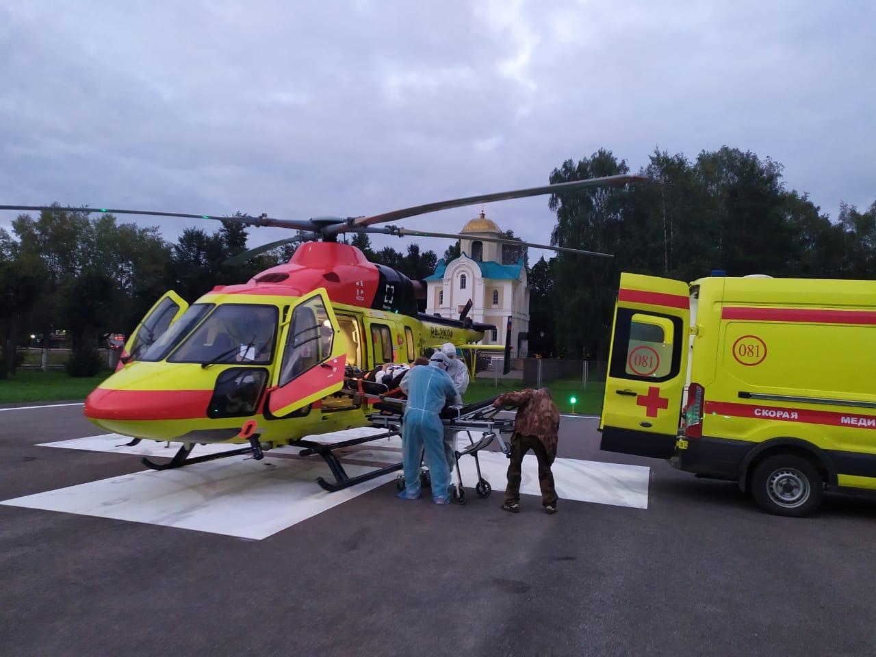 Женщину со стенозом трахеи экстренно доставили на вертолете в Тверь
