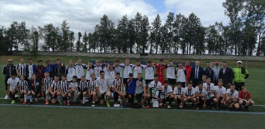 Юные футболисты из Вышнего Волочка завоевали право выступить в финале турнира «Кожаный мяч»