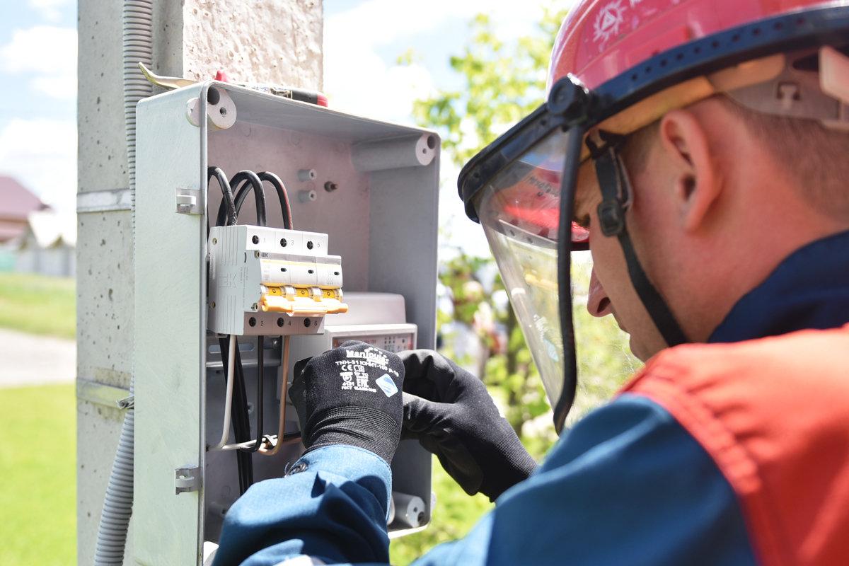 Специалисты Тверьэнерго с начала 2020 года зафиксировали 338 фактов хищений электроэнергии