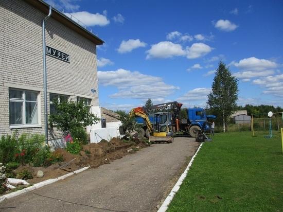 В Тверской области на крыше музея устанавливают молниезащиту