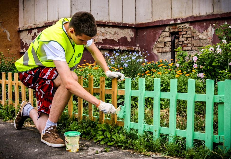 Почти 4 тысячи тверских подростков были трудоустроены во время летних каникул