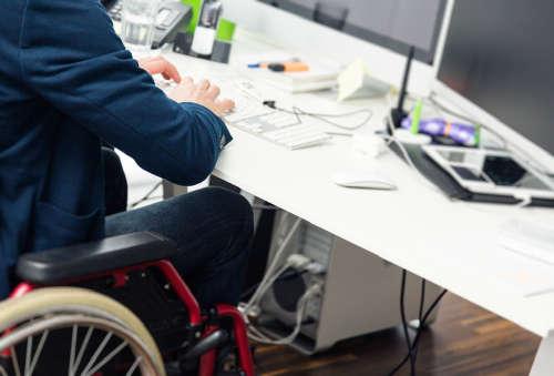 Более сотни жителей Тверской области с инвалидностью нашли работу в этом году