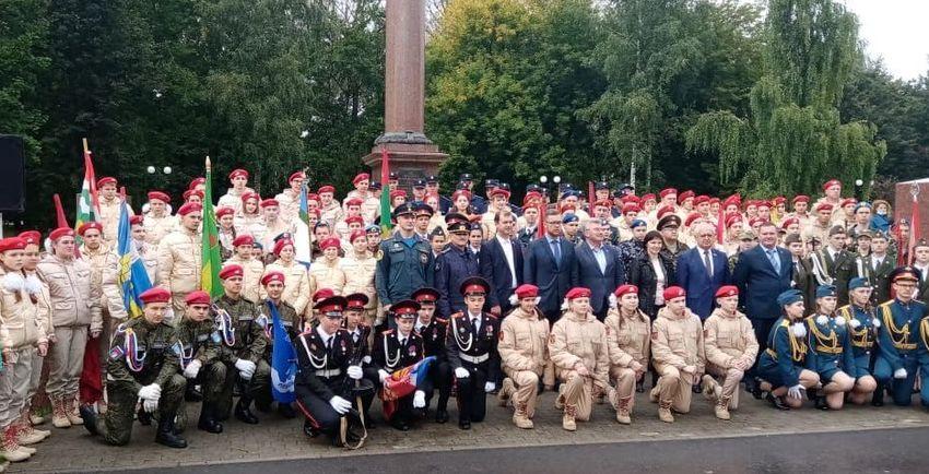 Торопецкие юнармейцы приняли участие в Слёте часовых Постов Памяти