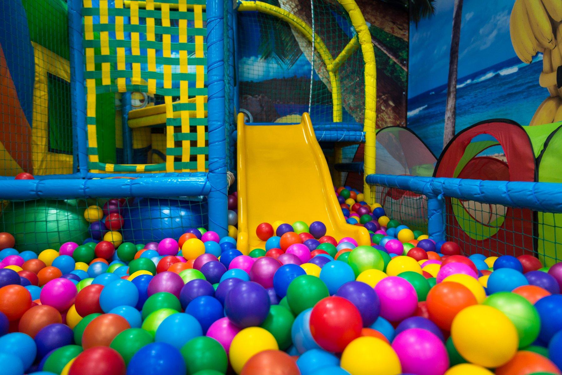 Названа дата открытия детских игровых комнат, боулингов и развлекательных центров в Тверской области