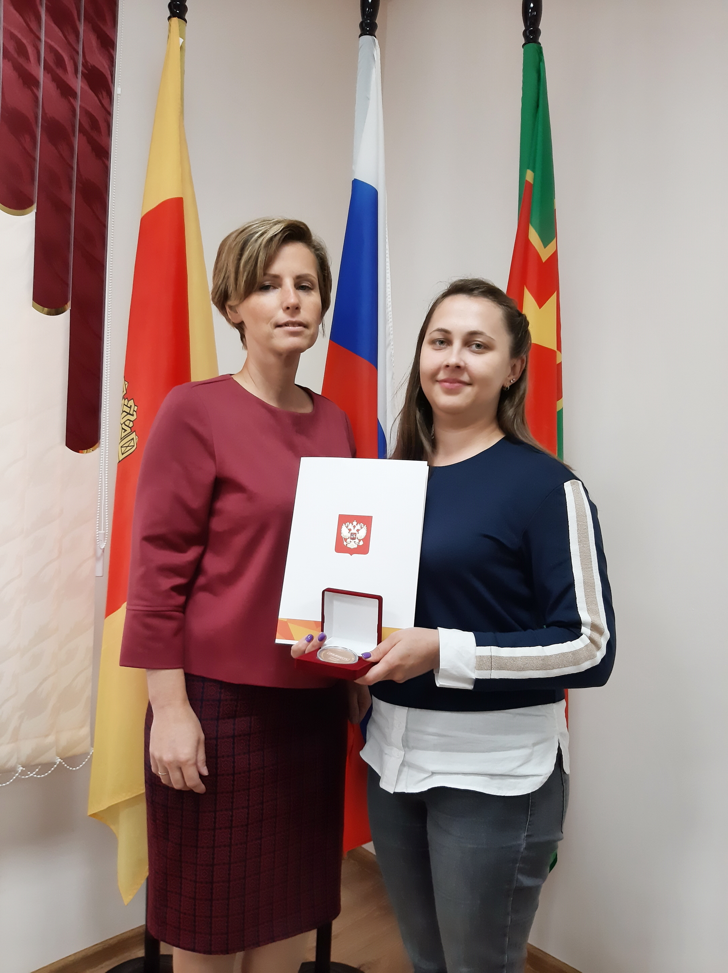 Благодарность волонтёру: грамотой Президента наградили жительницу района Тверской области