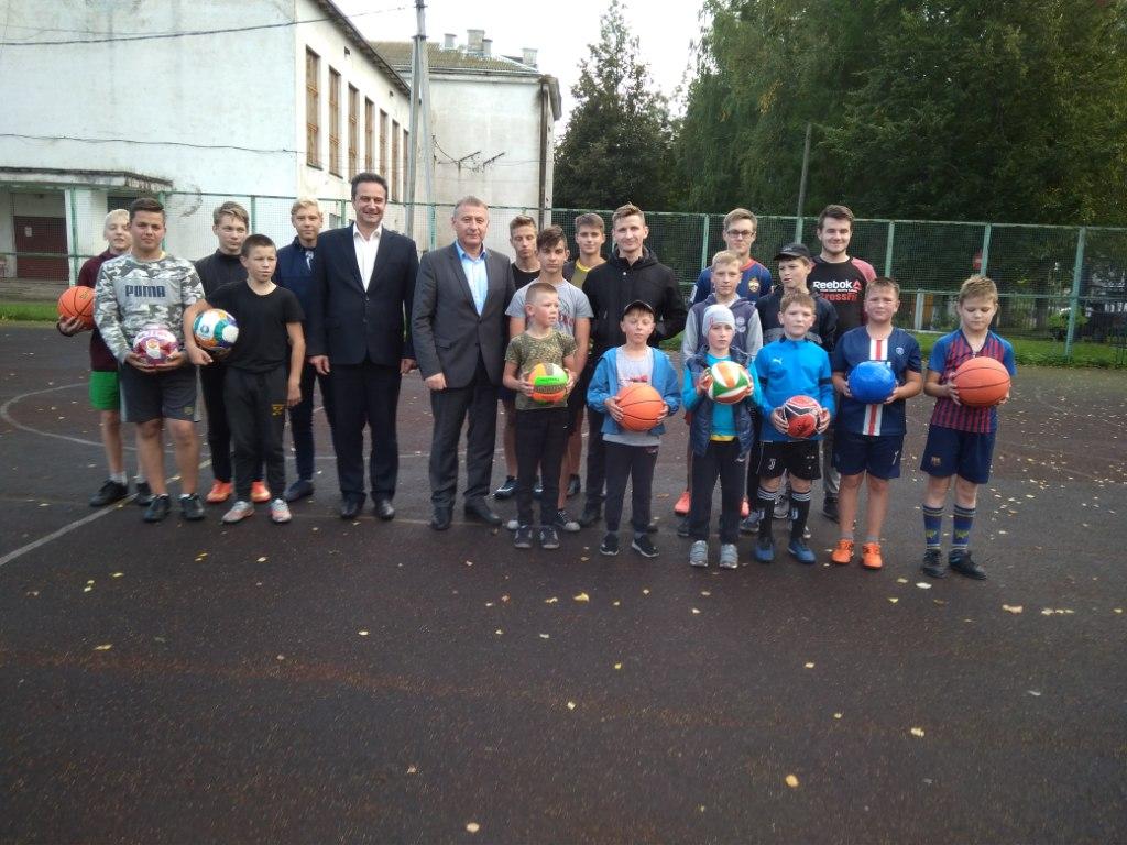 Новый спортивный инвентарь появился у воспитанников спортивной школы в районе Тверской области
