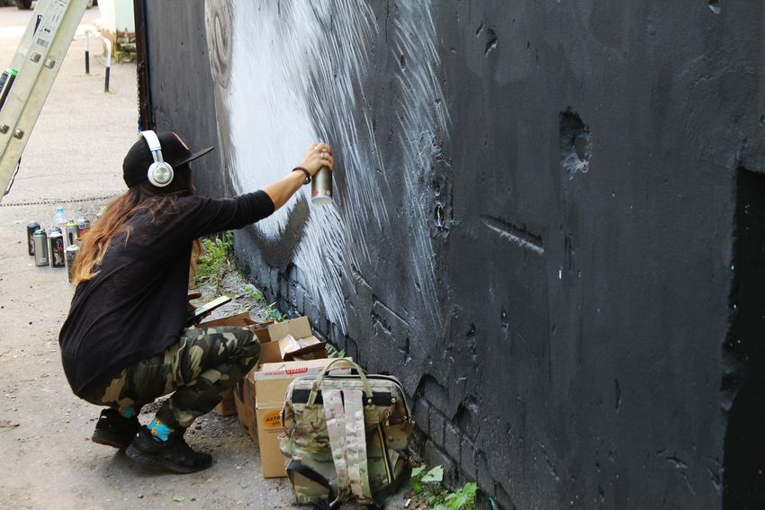 В Твери уличные художники превращают унылые подстанции в арт-объекты