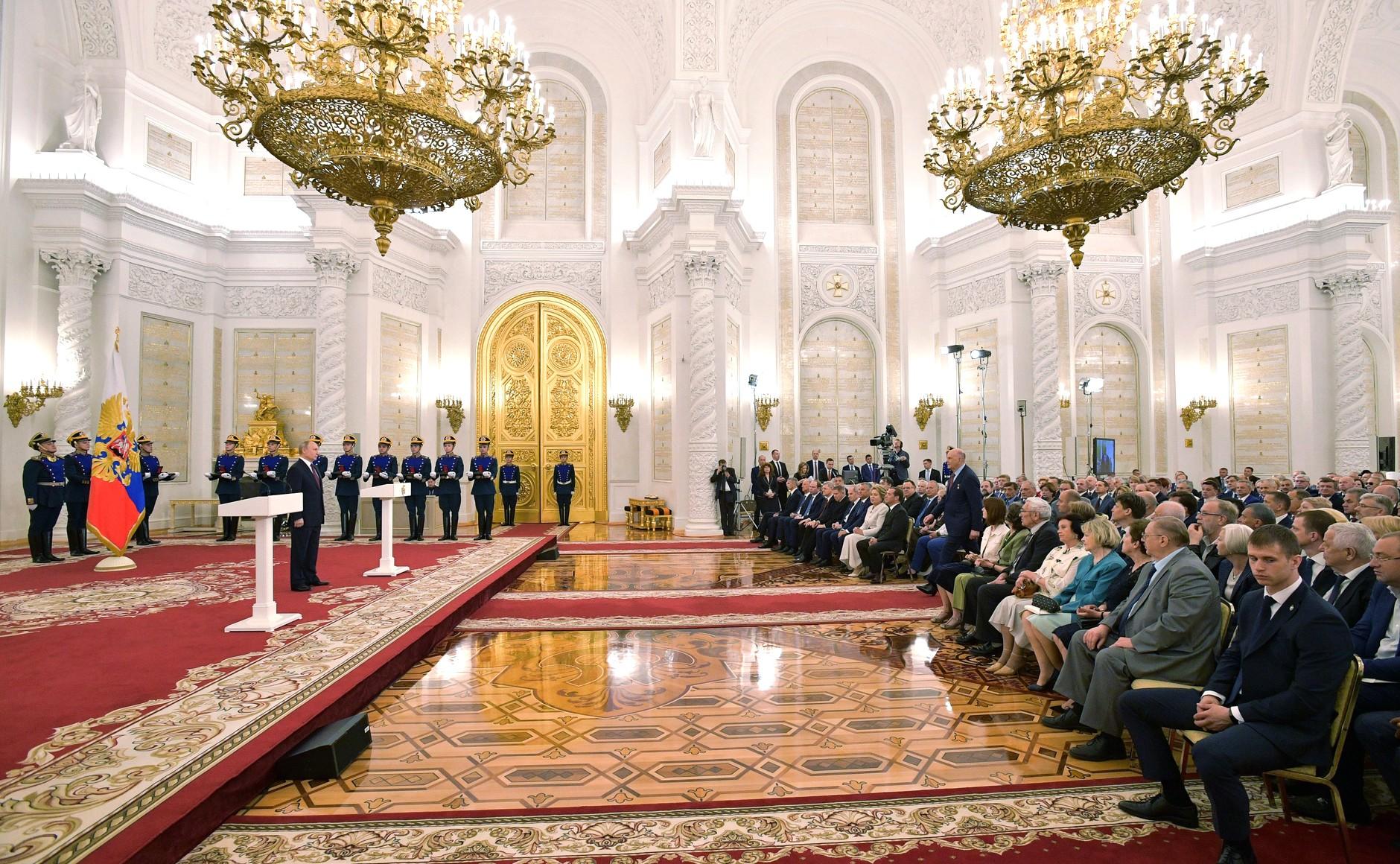 Двум жителям Тверской областиПрезидент России присвоилпочетныезвания