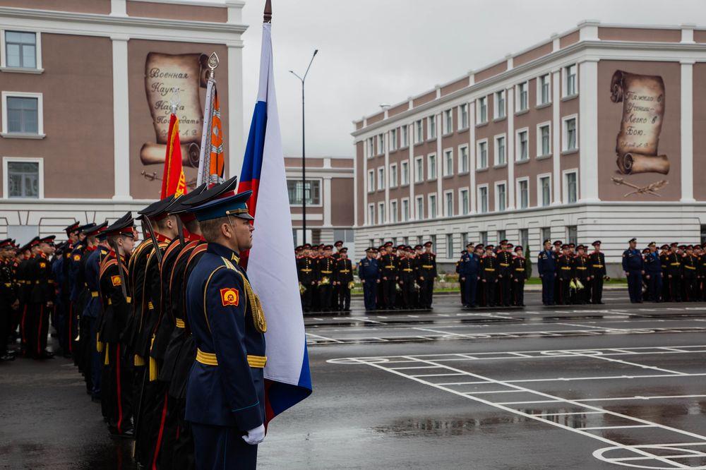 В Твери планируют создать военное училище для девочек