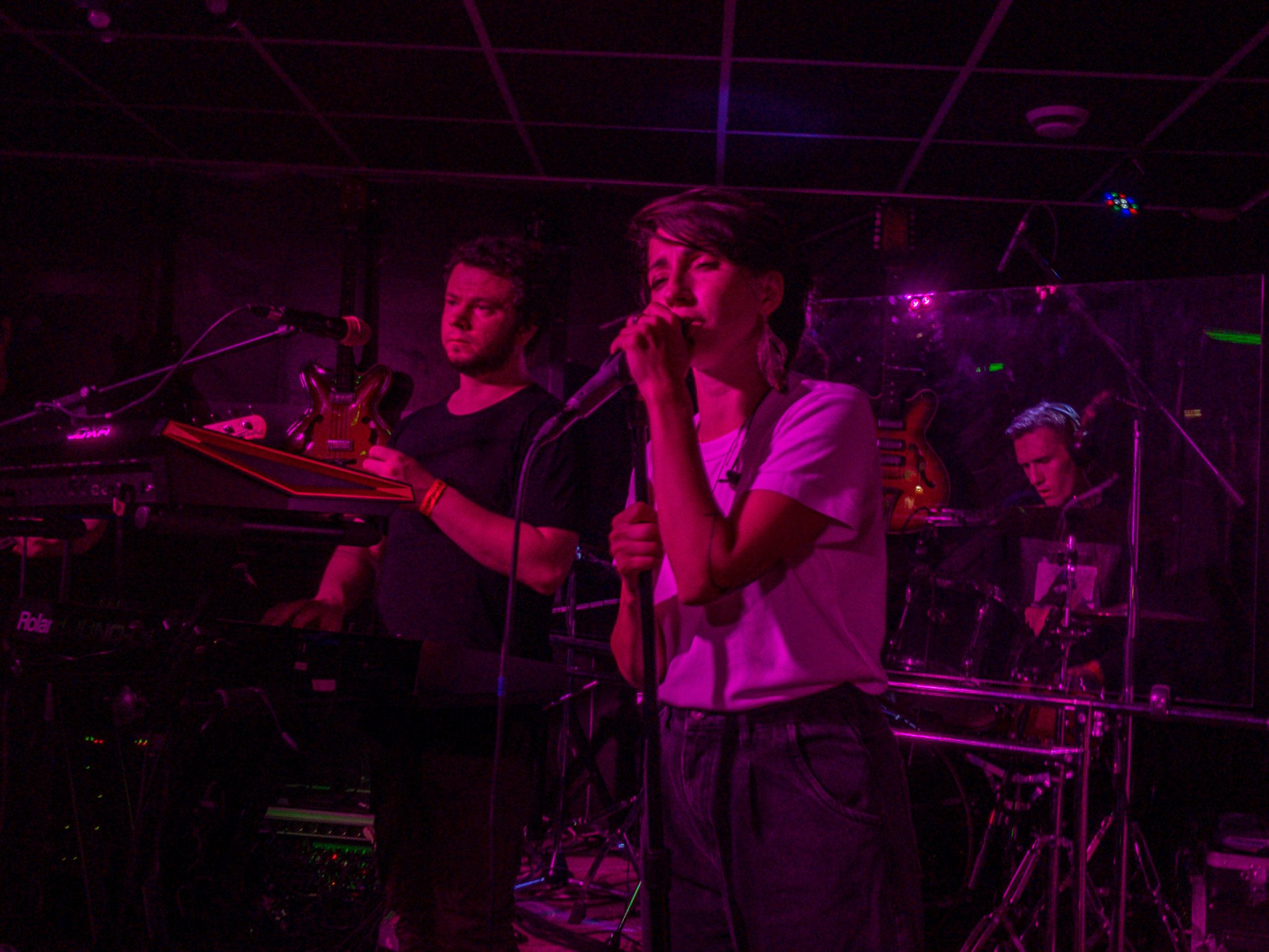 Ради этого концерта стоило пережить коронавирус:  в клубе «Big Ben» выступила группа Мураками