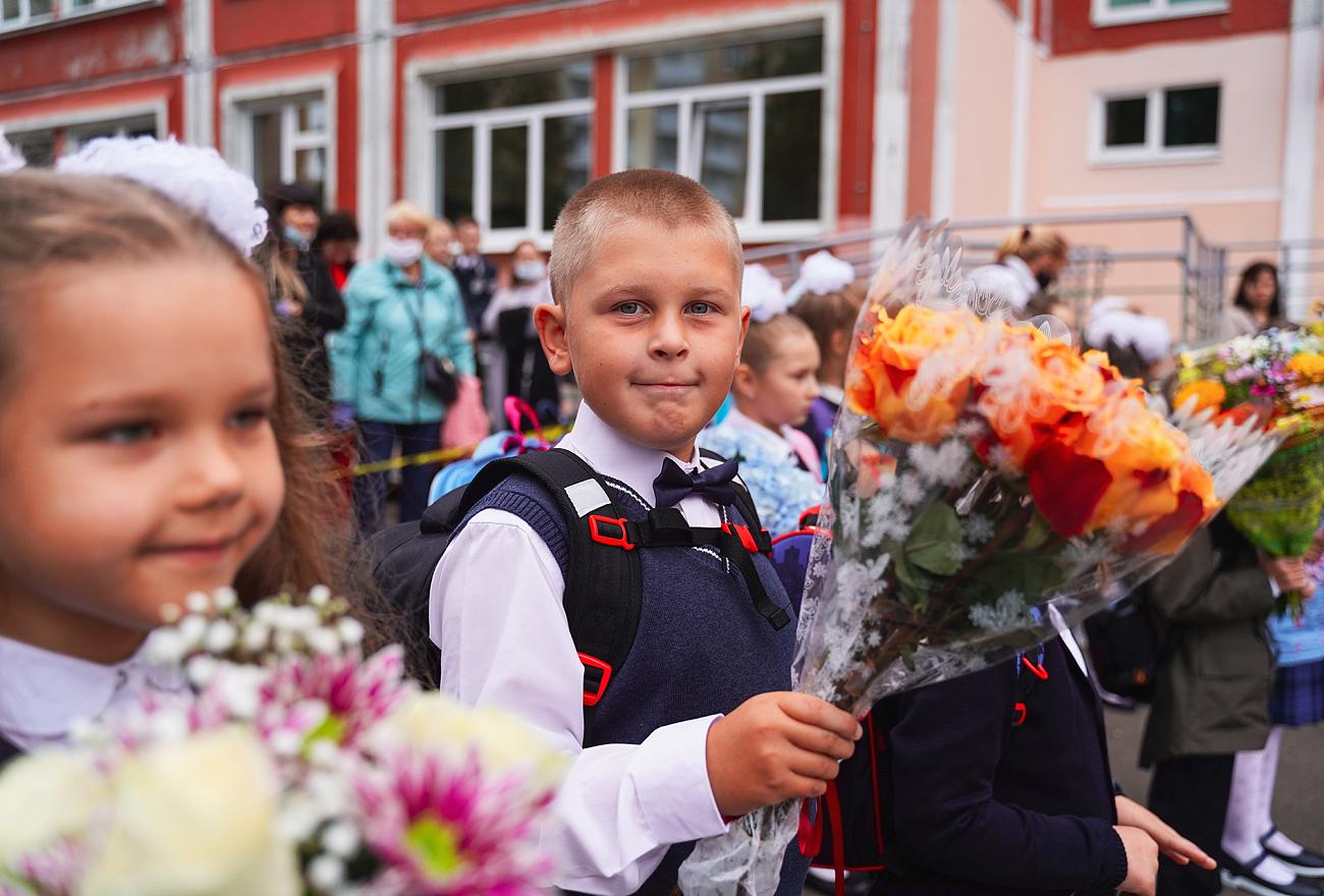 Торжественные линейки в честь Дня знаний прошли в школах Тверской области