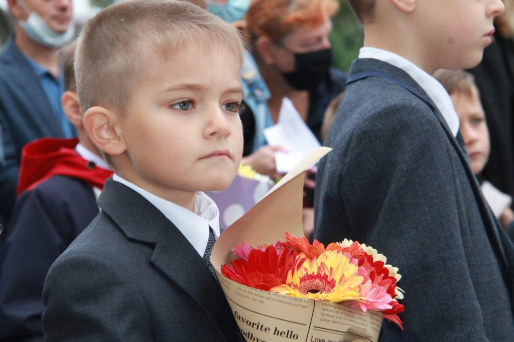 В Нелидовсоком районе впервые сели за парты 278 девочек и мальчиков
