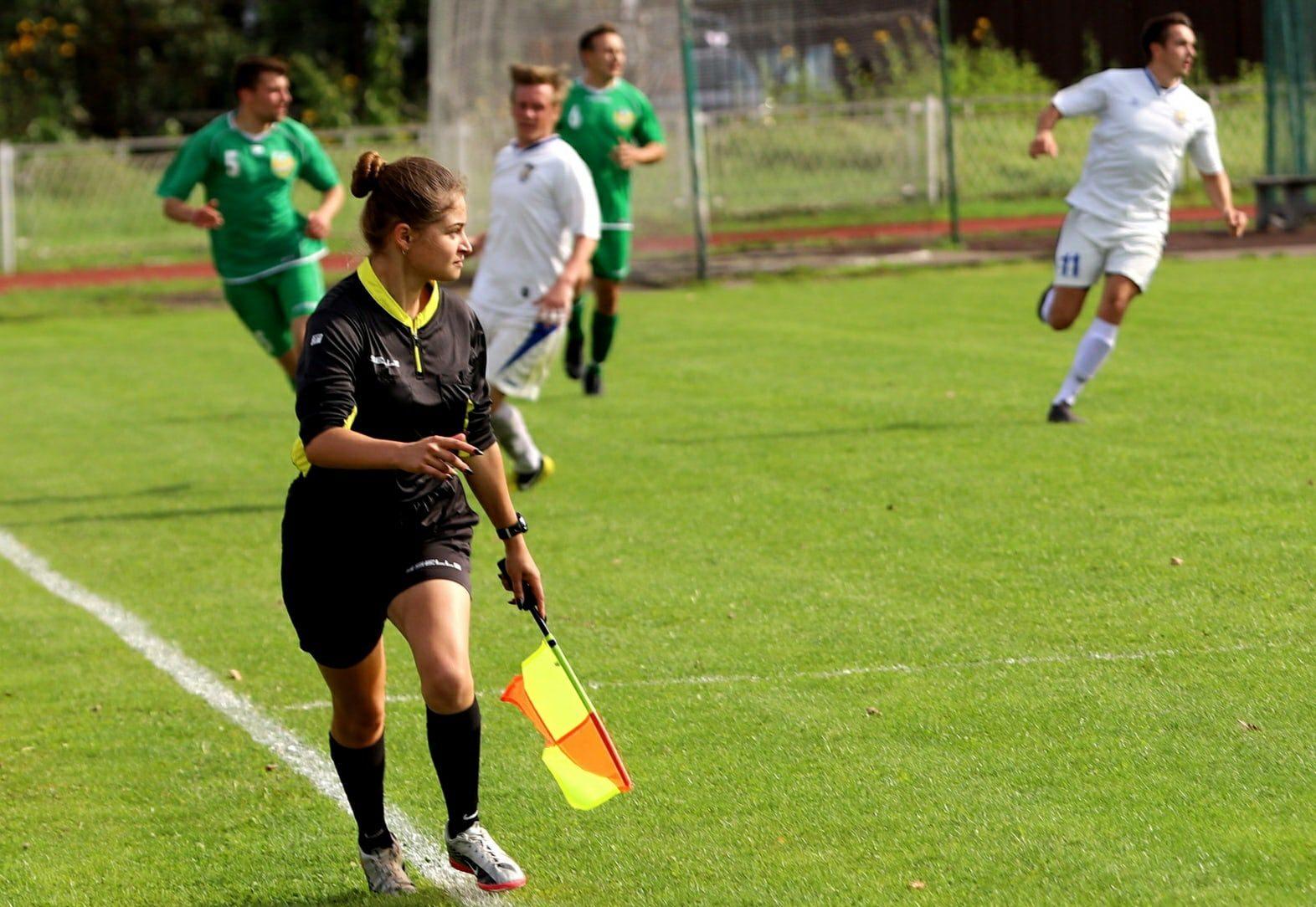 Первенство России по футболу будет судить девушка-арбитр из Твери