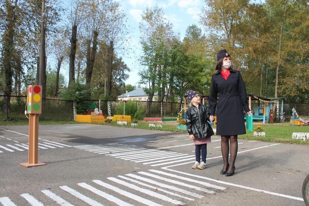 В Вышневолоцком округе дети изучают ПДД в особом городке