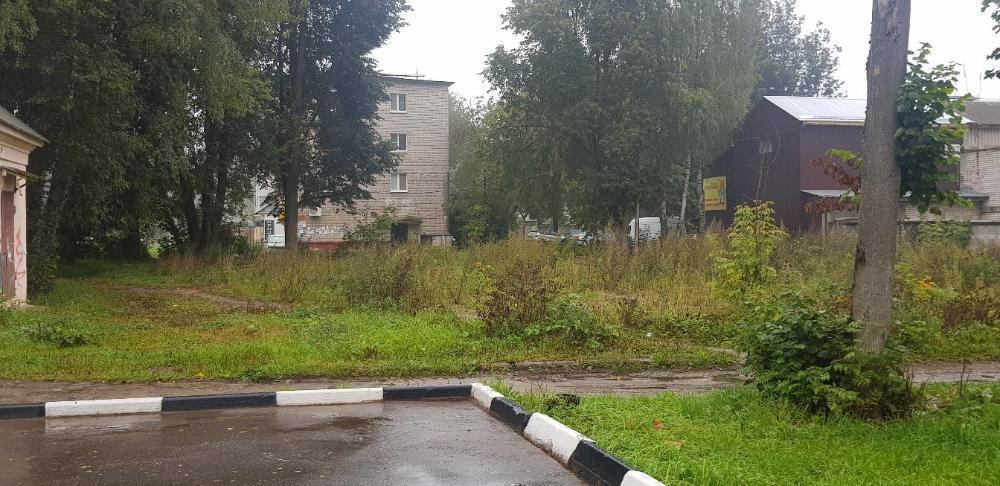 В поселке Редкино ликвидировали заброшенные здания