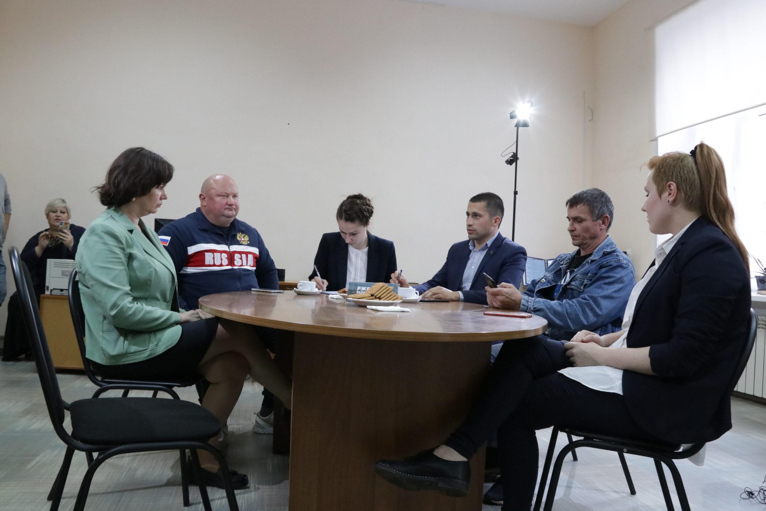 В Ржеве обсудили, как высшее образование повлияет на молодежь