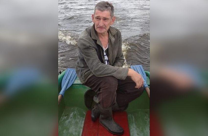 В Тверской области третий день ищут рыбака, пропавшего вместе с лодкой