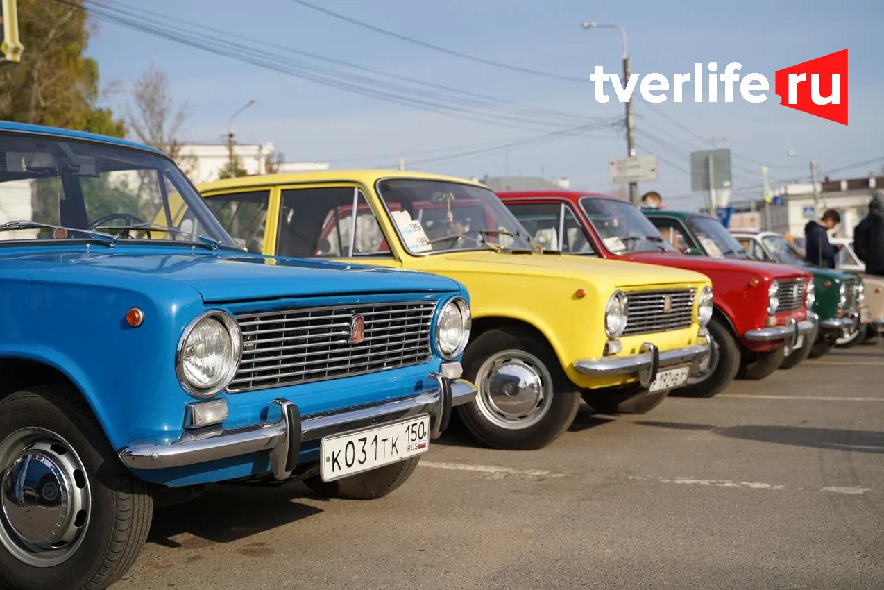 Тверской ретро-клуб завершает летний сезон выставкой и автопробегом по городу