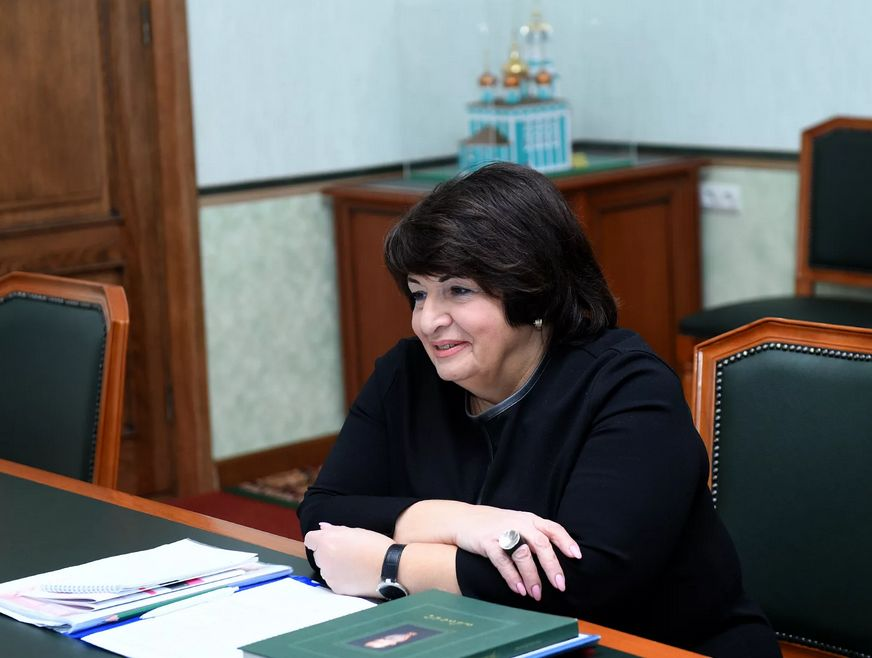 Главврач Тверского медицинского центра имени Аваева Каринэ Конюхова отмечает юбилей