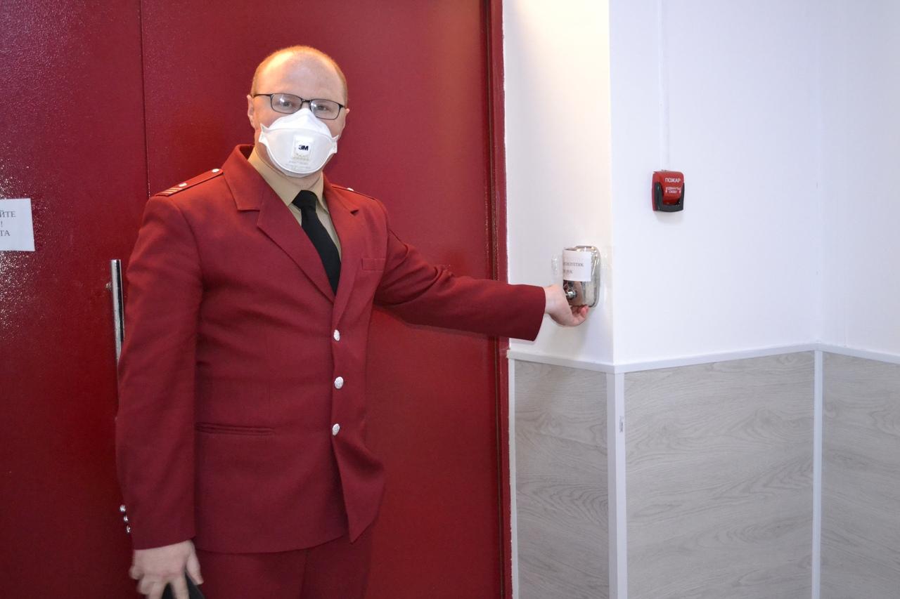 Роман Семенов: Люди устали, но только ношением масок можно защитить себя и своих детей