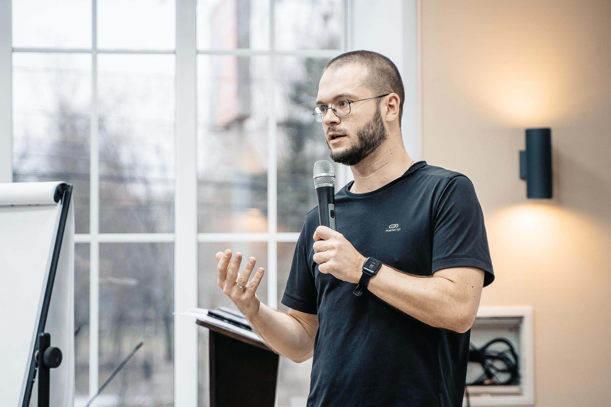 Михаил Окороков: сейчас проявить заботу об окружающих проще, чем когда-либо - наденьте маску