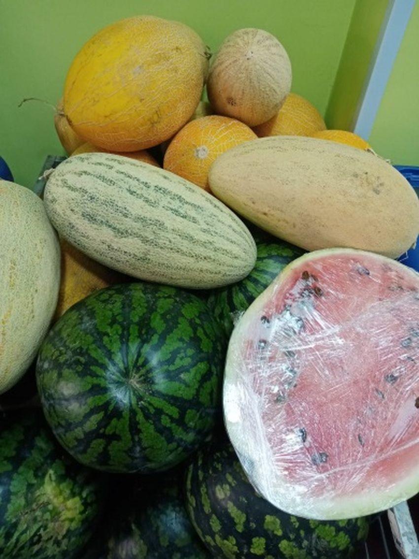 На рынке Твери продавали арбузы и виноград, не прошедшие карантинный контроль
