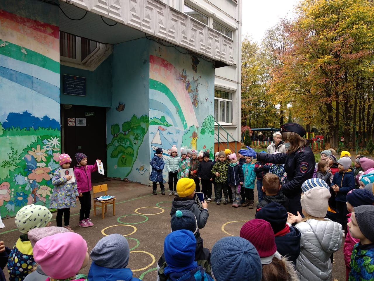 Тверской детворе рассказали о безопасном поведении на дороге