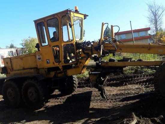 Рабочие в Тверской области продолжают облагораживать территории