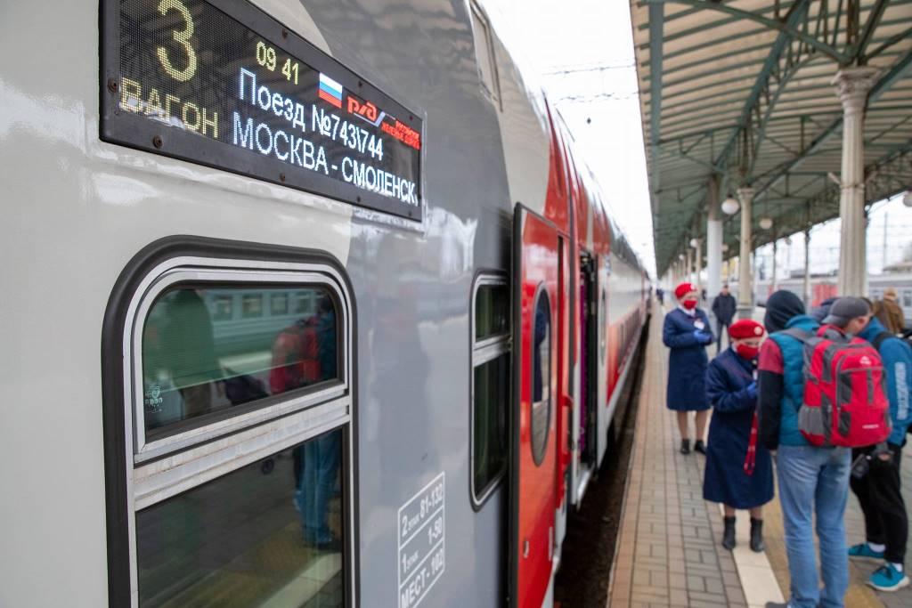 Созданный в Твери скоростной двухэтажный поезд отправился в первый рейс