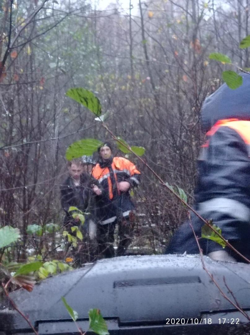 Трое парней чуть не стали заложниками оршинских болот под Тверью