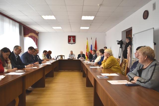 Дела депутатские: в районе Тверской области прошло первое заседание городской думы